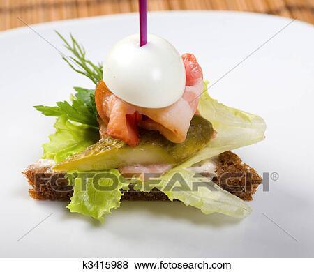Канапе с соленым огурцом рецепты с фото
