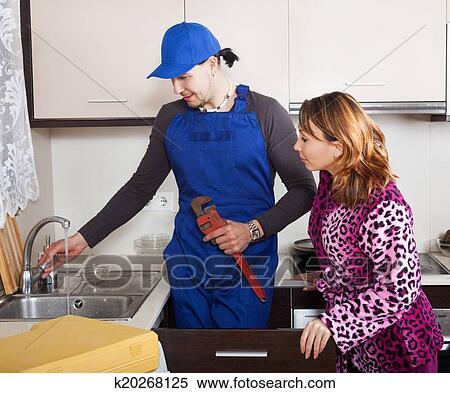 фото слесарь трахнул молоденькую мать