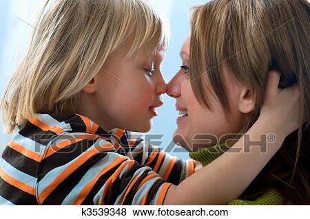 Fils baise mère libre