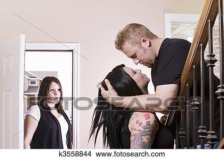 как жена изменяет мужу фото