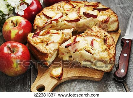 Заливной пирог с яблоками рецепт с фото
