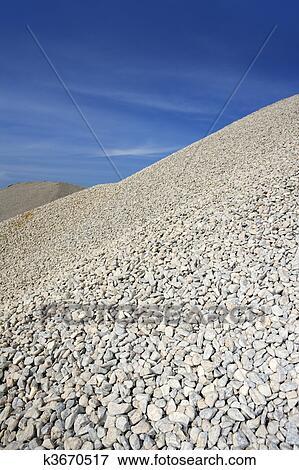 Image gravier gris monticule carri re stockage ciel bleu k3670517 recherchez des photos - Prix gravier carriere ...