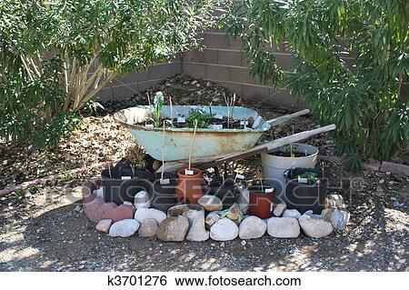 Stock afbeeldingen liggen beeld van vernieuwend idee voor thuis garden k3701276 zoek - Idee van allee tuin ...