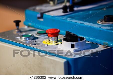 stock foto nottaste auf maschine f r schneiden plastik k4265302 suche stockfotografie. Black Bedroom Furniture Sets. Home Design Ideas