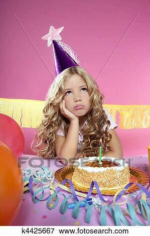 Фото девочка с тортом