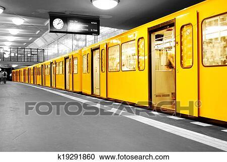stock fotografie berlin metro u bahn k19291860 suche stockfotografien fotos wandbilder. Black Bedroom Furniture Sets. Home Design Ideas