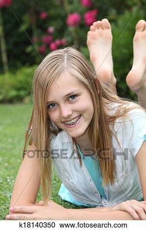 Adolescente Nue Photos et images de collection Getty Images