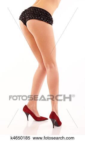 Talons hauts et longues jambes sexy