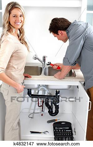 сантехник и девушка фото