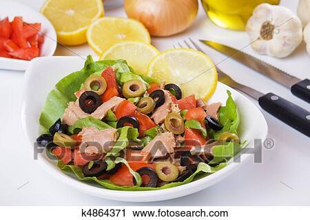 Салат с оливками фото