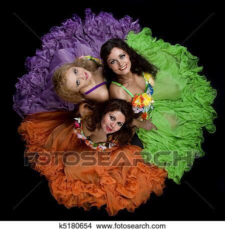 banque de photo trois femme dans couleur carnaval d guisement k5180654 recherchez des. Black Bedroom Furniture Sets. Home Design Ideas