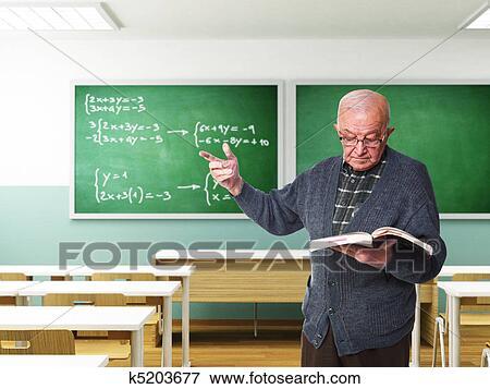 Raffinierter Alter Lehrer Und Mädchen Mit Zöpfen