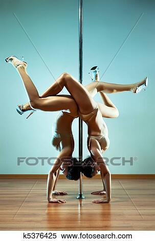 Голые танцующие девушки фото 95351 фотография