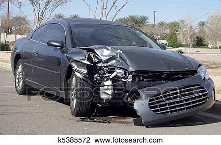 banque de photo accident voiture apr s accident route k5385572 recherchez des images des. Black Bedroom Furniture Sets. Home Design Ideas