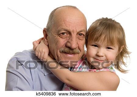 Дед трогает внучку фото