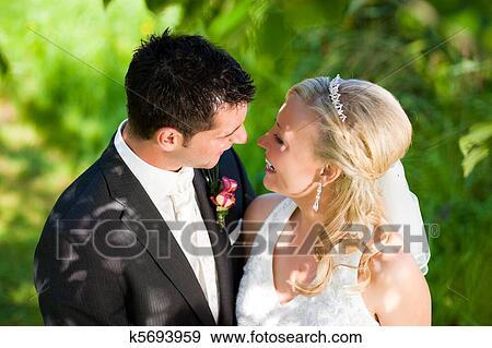 Matrimonio Rilasciato In Cerca Coppia