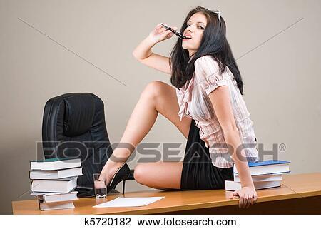Порно молоденьких секретарш фото 16740 фотография