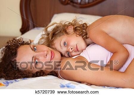 фото бесплатно голые матери