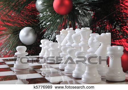 Stock Fotograf - Start., weiß, schach, in, weihnachtsdeko. Fotosearch - Suche Stock Fotografie, Poster, Bilder und Foto-Clipart