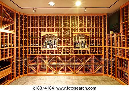 Design weinkeller  Stock Foto - eigenheim, weinkeller, design, idee k18374184 - Suche ...