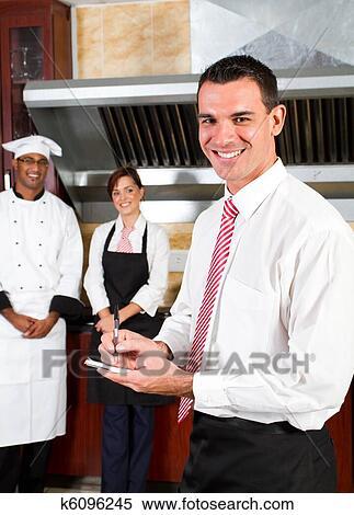 Banque d 39 image heureux restaurant directeur k6096245 - Directeur de restaurant ...