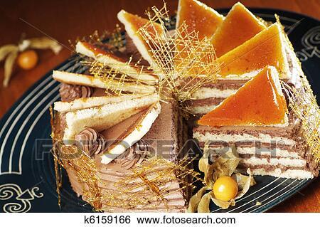 Украшение для тортов из карамели фото