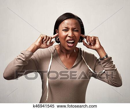 欧美黑人多人群交�9��y�)��,y.ly/)_图片银行 - 黑人妇女, 听力, 任何事物