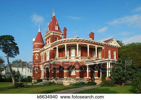 banques de photographies brique rouge reine anne maison k6634940 recherchez des photos. Black Bedroom Furniture Sets. Home Design Ideas
