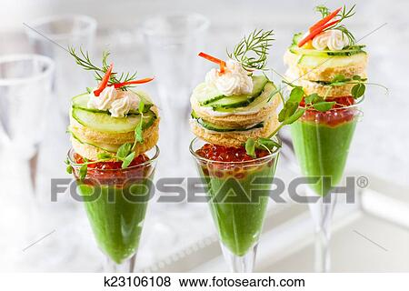Pictures of festive appetizers k23106108 search stock for Canape aperitif marmiton