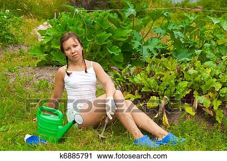 в огороде голые фото