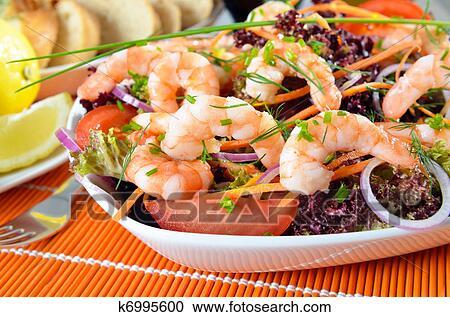 stock fotografie italienischer salat mit garnelen k6995600 suche stockfotografien fotos. Black Bedroom Furniture Sets. Home Design Ideas
