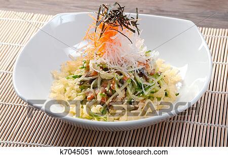 Салат из копченого угря фото