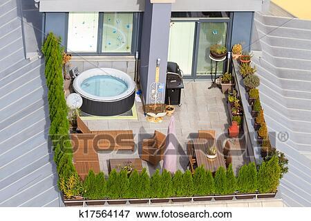 Giardino disegno Tetto : Immagine - terrazzo, su, il, tetto, con, verde, giardino, e, jacuzzi ...
