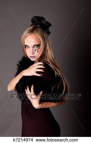 banque de photo jolie fille maquillage comme a sorci re k7214974 recherchez des images. Black Bedroom Furniture Sets. Home Design Ideas
