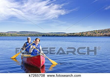 Pictures Of Family Canoe Trip K7265708 Search Stock
