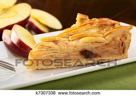 шарлотка со слоеным тестом рецепт с фото