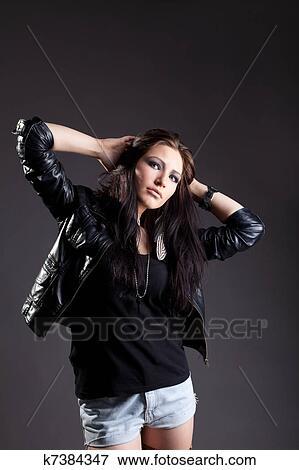 image sexy femme dans grunge style jaquette cuir k7384347 recherchez des photos des. Black Bedroom Furniture Sets. Home Design Ideas