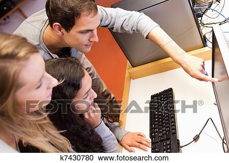 Студенты хоум фото