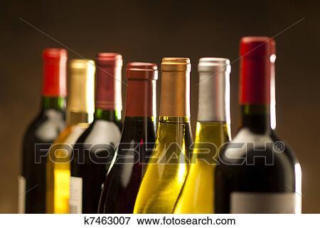 圖片 - 酒瓶子. Fotosearch - 搜... 圖片 - 酒瓶子 k7463007 -