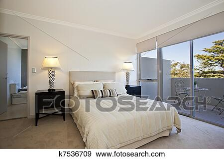 Stockfotografi   moderne, soveværelse k7536709   søg i ...