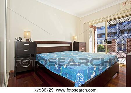 Stockfotografi   moderne, soveværelse k7536729   søg i ...