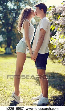 Couple baise chaud teen brunette