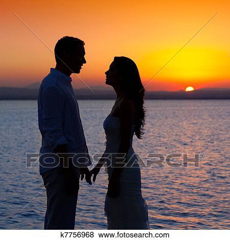 donna in cerca di giovane uomo per relazione