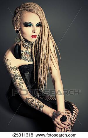 images tatouage femme k25311318 recherchez des photos des images des photographies et des. Black Bedroom Furniture Sets. Home Design Ideas
