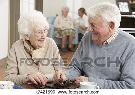 Старики ебут молоденьких фото