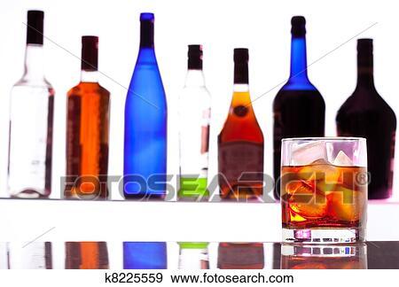 酒精, 飲料, 由于, 瓶子, 上, the ...