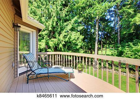 stock fotografie balkon mit summer hinterhof mit. Black Bedroom Furniture Sets. Home Design Ideas