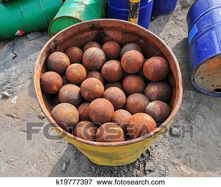 Immagine ferro palle per macinatura minerale for Cerca per foto
