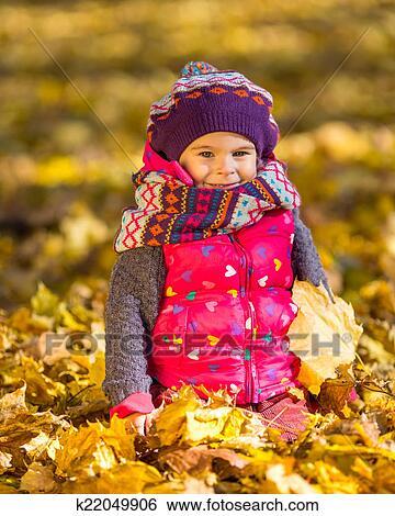 秋季公园一角儿童画