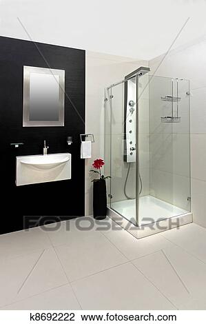 Stock foto modernes dusche k8692222 suche stockfotografie fotodrucke fotos bilder und - Fliesenmuster schwarz weiay ...